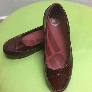 Fitflop maroon color
