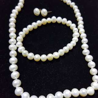 Fresh water cultured pearl set