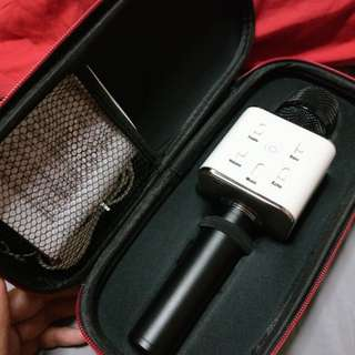 Q7 Bluetooth Microphone (Personal KTV)