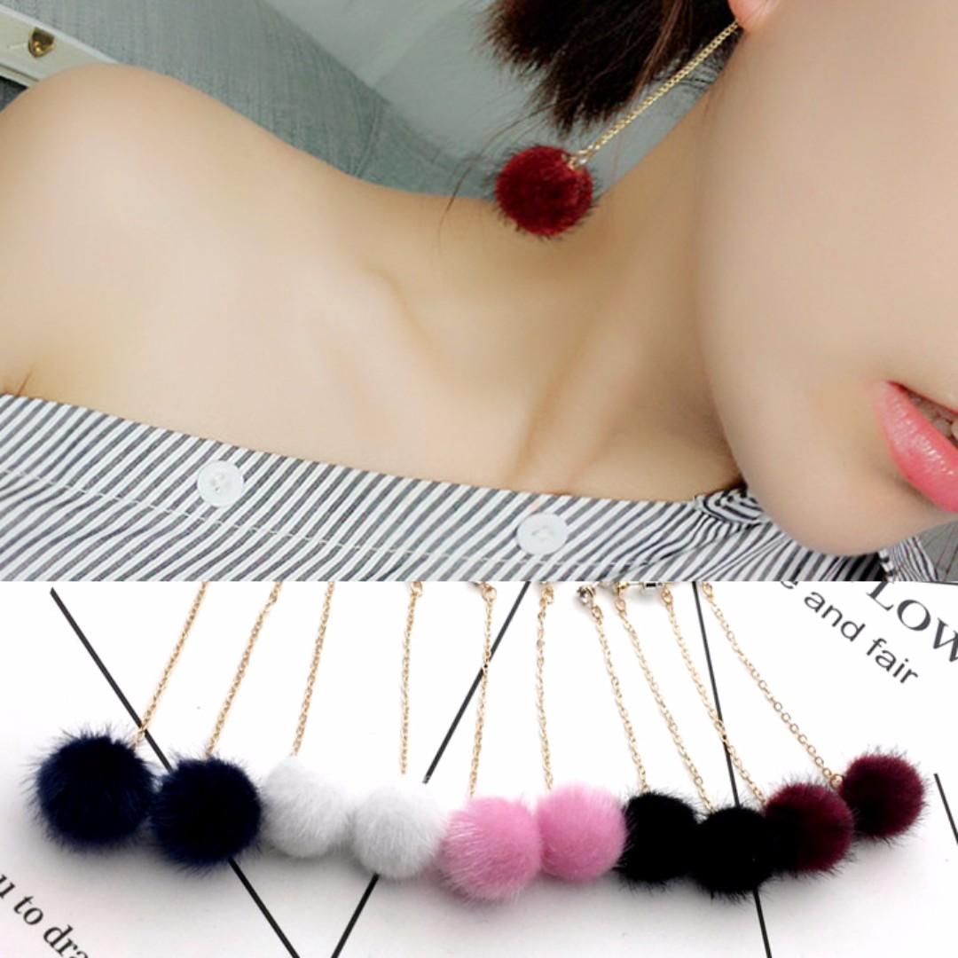 ╭✿蕾兒0509✿╮EB031-韓國直送毛毛系列輕擺耀動貂毛毛球U型夾無耳洞耳夾耳飾品