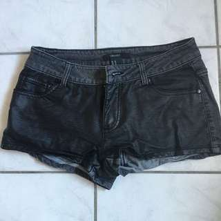 Forever 21 black short shorts