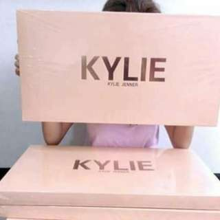 Kylie set