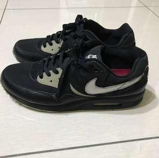 🚚 Nike AIR MAX LIGHT US9.5