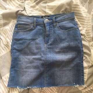 Bardot skirt size 36