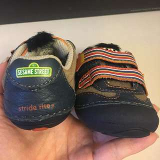Limited Ed Stride Rite Shoes size 3M