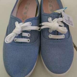 🚚 休閒鞋