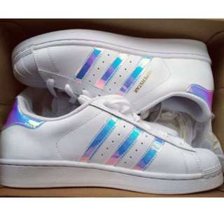 Holographic superstars