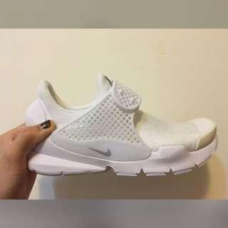 全新 Nike sock dart 全白