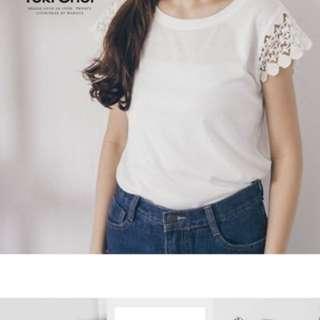 🚚 東京著衣 鏤空蕾絲袖仿棉上衣  白色L號