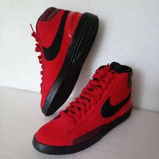 NlKE 鞋
