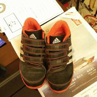 Adidas童裝波鞋