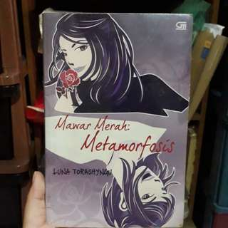 Novel Mawar Merah: Metamorfosis