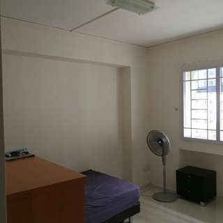 Common room for rental at woodlands circle