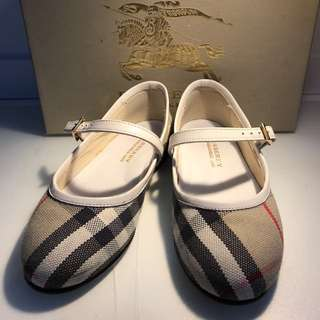 Auth Burberry children shoe *marked down on 20Nov17