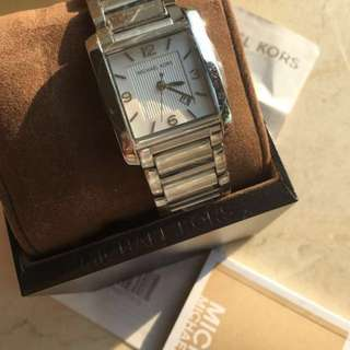 超荀價 愛不釋手 60% off Authentic New Michael Kors MK Ladies' Watch from Chicago