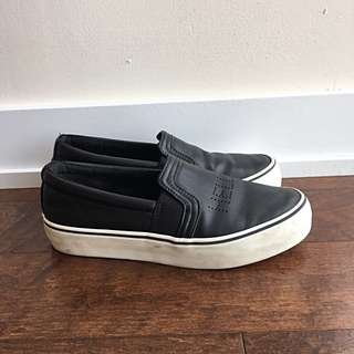 Black and white 'hello & bye' shoes size 7 US