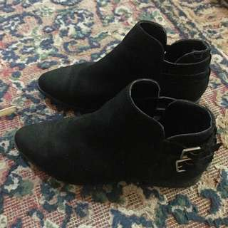 Black Boots - Forever 21 - Size 6.5