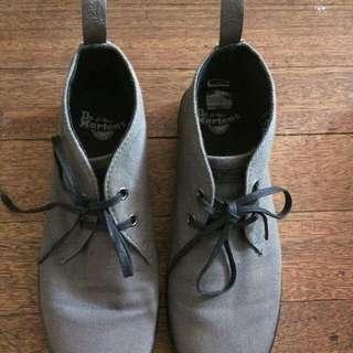 Dr. Martens Airwair Semi Boots Color Grey