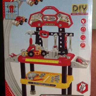 Repriced! Super Tool Happy Play Set