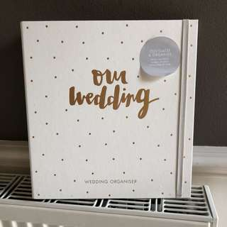 Brand new Kikki K wedding organiser