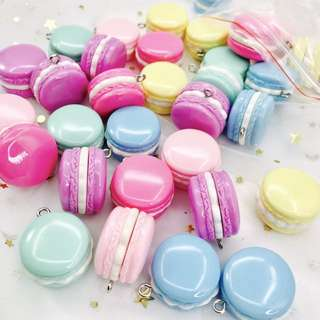 Pastel Marcroons Keychains Keycharms