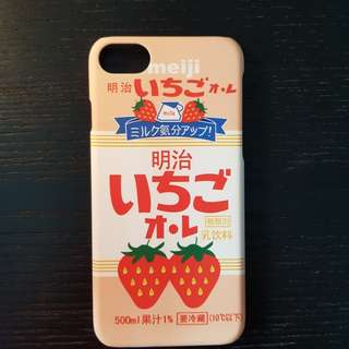 Iphone 7 strawberry casing