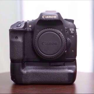 Canon 7D + Battery Grip