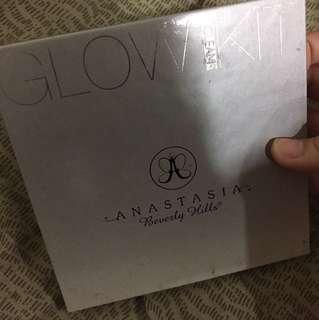 original abh glow kit in gleam palette