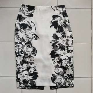 ZARA Floral Pencil Skirt (Black & White)