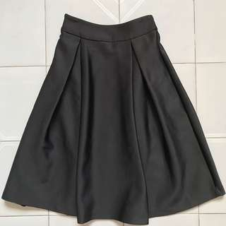 Scuba Pleated Midi Skirt (Black)