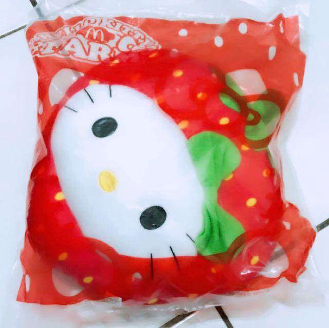小公主♥全新麥當勞2015年KITTY抱枕草莓造型