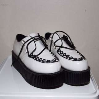CREEPERS:BLACK AND WHITE