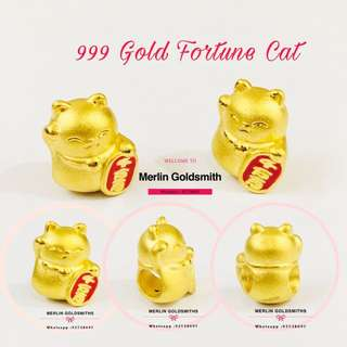 "999 (24K ) 3D Craved fortune Cat Charms / 999 足金招财猫串咀 / 招财猫是一种招财招福的吉祥物,其中一手高举至头顶,作出向人招来的手势。就是"" 财"" 和 "" 福"" 一起到来的意思。  招财猫手持 千 万 两 ,寓意招财 !"