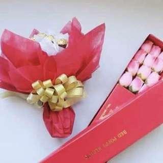 Flower Bouquet - Ferrero Bouquet