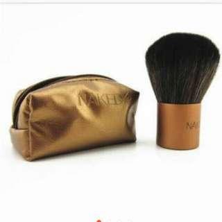 Naked Kabuki brush with pouch