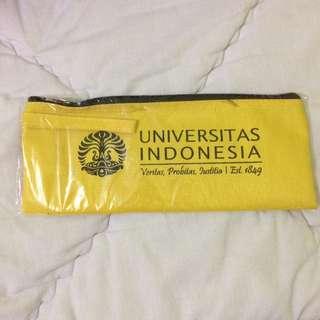 Kotak/tempat pensil universitas Indonesia(UI)