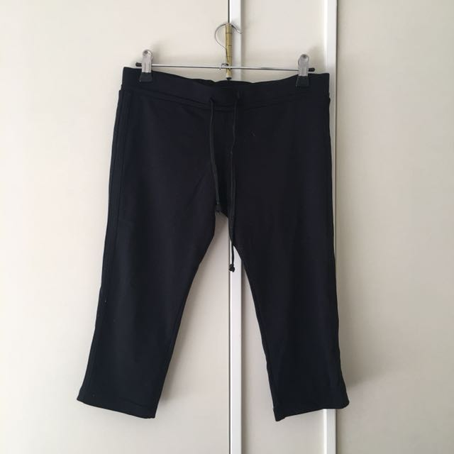 3 quarter length gym pants