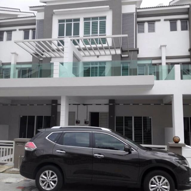3 storey reliable housing property with good price