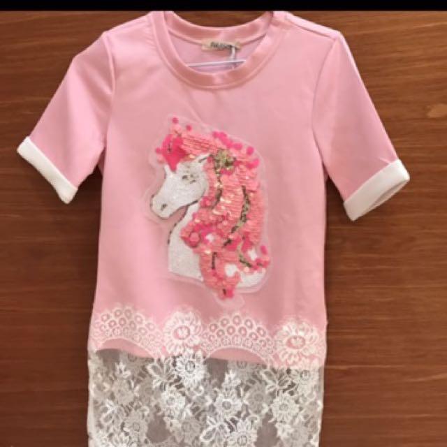粉紅馬亮片蕾絲長版上衣#手滑買太多