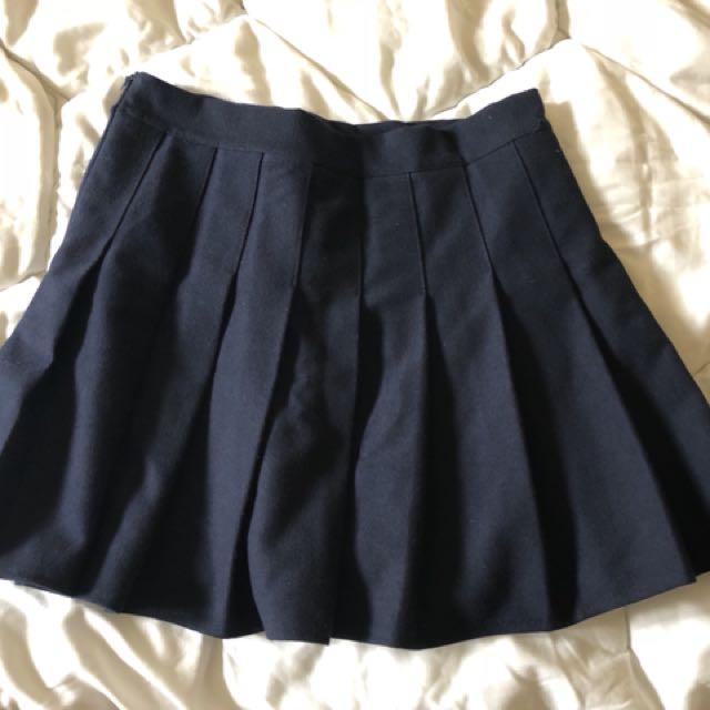 深藍百褶裙