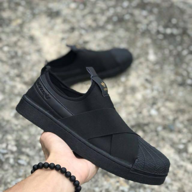 adidas slip on all black