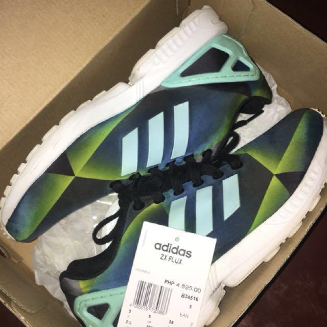 purchase cheap 76f10 35da5 ADIDAS ZX-FLUX womens7 mens5, Women s Fashion, Shoes on Carousell