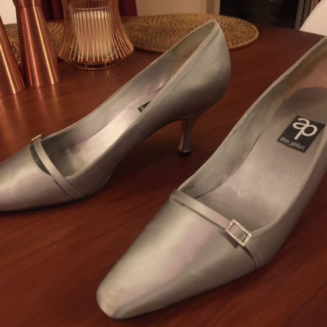 Alan Pinkus Silver Satin Shoes Sz 9 1/2