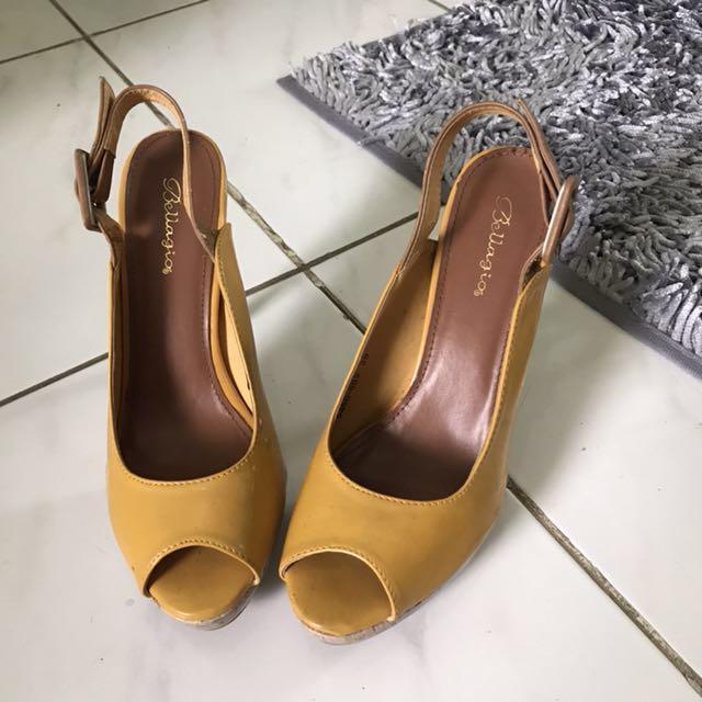 Bellagio pump high heels