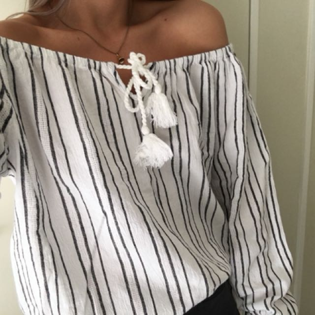 Billabong off the shoulder top