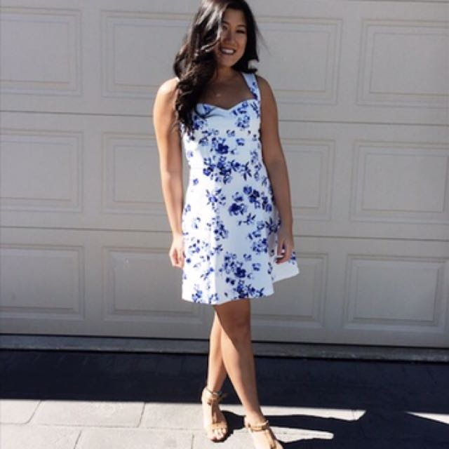 Blue and white floral dress size 8
