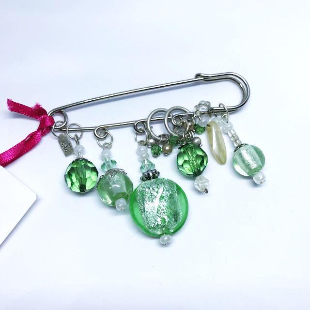 Brand new designer label sam&coco handmade pin brooch crystal