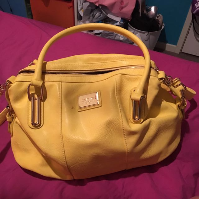 Bright yellow Colette bag medium