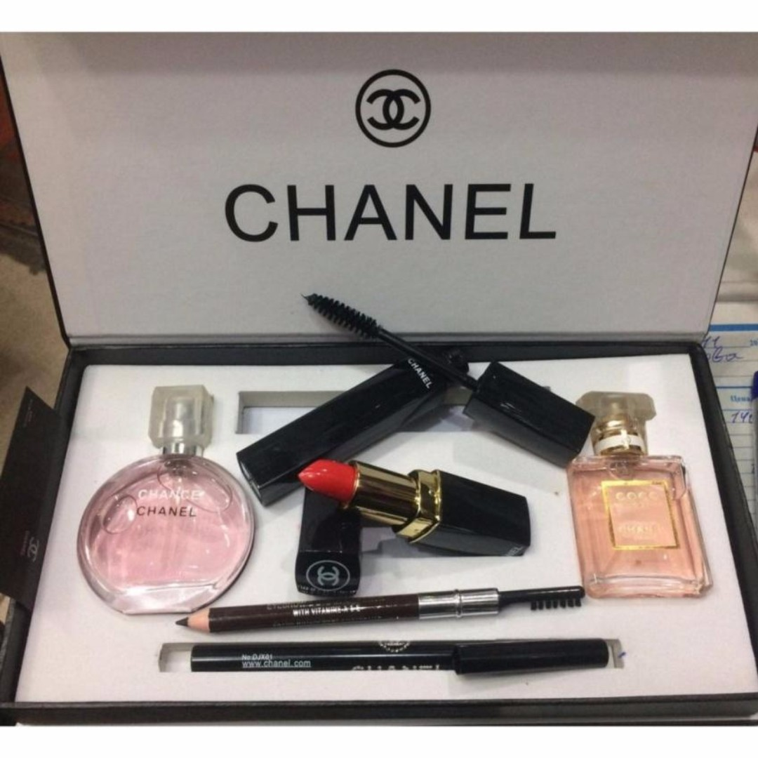 Skincare Termahal: Harga 1 Set Make Up Chanel