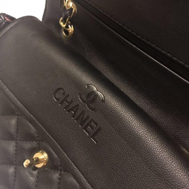 CHANEL BLACK LEATHER BAG